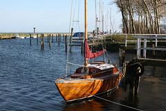 Fehmarn: Segelboot im Hafen Orth (Helgoland01) Tags: fehmarn schleswigholstein deutschland germany hafen harbor port ostsee boot boat