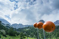 Balls, we need balls! (Uli - www.auf-den-berg.de) Tags: berge mountains wandern hiking outdoors tirol tyrol zugspitzarena miemingerkette alpen alps