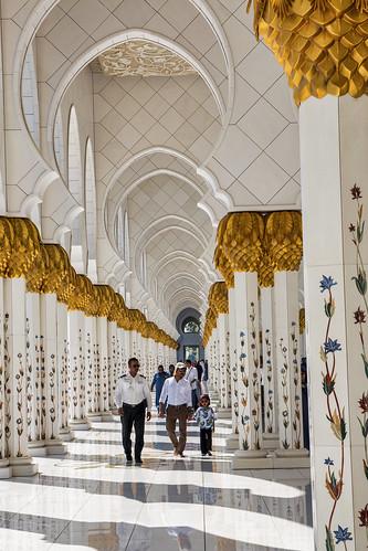 Arches and columns, Sheikh Zayed Mosque, Abu Dhabi
