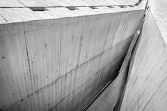maze runner (Hendrik Lohmann) Tags: streetphotography bnw blackandwhite monochrome architecture people urbanart nikon wideangle portugal