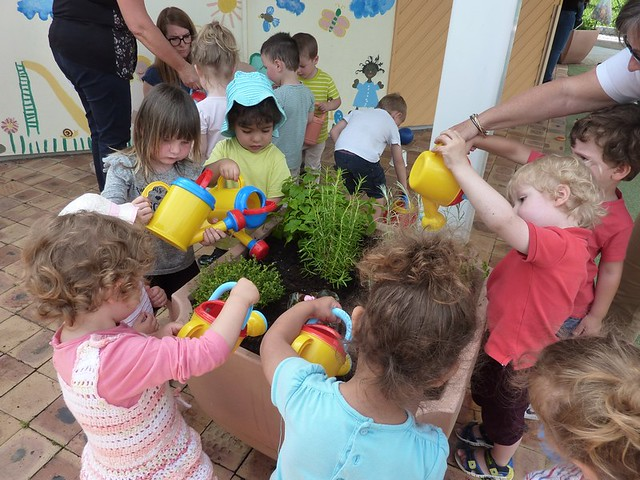 Photo 2 - Activité jardinage au multi-accueil