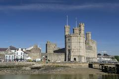 Caernarfon 3 (Jimmy Davies) Tags: wales cymru gwynedd snowdonia harbour summer coast beach landscape