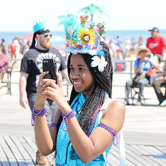 IMG_6250 (Brooklyn Cyclist) Tags: coneyisland mermaidparade 2018 brooklyn canonm50 18150lens broghton boardwalk lunapark neptuneave