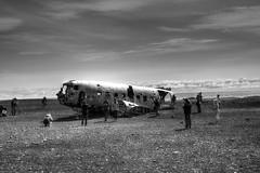 DC-3 vliegtuigwrak | HDR-monochroom (Frank Berbers) Tags: iceland ijsland islande island vakantie2018 sólheimasandurvliegtuigwrak vliegtuigwrak sólheimasandur planewreck dc3planewreck dc3 dc3flugzeugwrack flugzeugwrack dc3épavedavion épavedavion douglasdc3 24november1973neergestort le24novembre1973sestécrasé 24november1973crashed 24november1973abgestürzt hdr highdynamicrange imagerieàgrandegammedynamique photomatix nikond5100 2018 monochroom