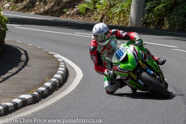 Isle of Man TT 2018: Supersport Race 2