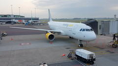 Airbus A320-214 c/n 2785 Vueling registration EC-JSY (sirgunho) Tags: a320 a 320 airbus a320214 cn 2785 vueling registration ecjsy amsterdam airport schiphol the netherlands holland aircraft airliner