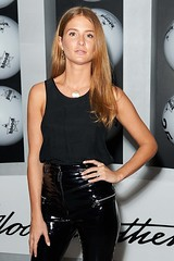 Millie Mackintosh in vinyl pants (Vinyl Beauties) Tags: millie mackintosh vinyl pvc plastic pants fashion trend sexy beauty glamour celebrities schönheit mode plastik lack lackhose style