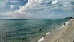 Mi playa favorita (K.B.L. Luccia) Tags: beaches playas costa arena mar ocean oceano sunnyislandbeach sun florida usa nwn
