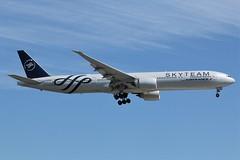 Here is Air France(SkyTeam Livery) F-GZNN (shumi2008) Tags: airfrance airfrance777 airfranceskyteam skyteammember boeing777w b777er b777300er torontopearson pearsonairport yyz cyyz