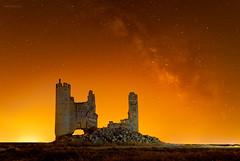 red-caudilla2-copia (invesado) Tags: milky way red kelvin castle caudilla nikon 20mm night