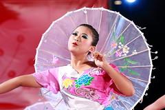 IMG_1557M 2017/11/18 臺中國際踩舞祭 臺中市政府廣場 舞台表演 (陳炯垣) Tags: dancer dance performance stage smile girl traditional festival