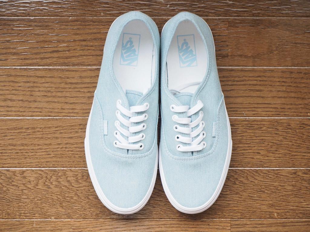 83f8c9f448aabd P6210028 (uki cafe) Tags  japan hokkaido olympus omd em10markⅱ shoes  sneaker vans authentic babyblue