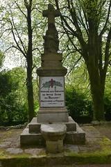 Lanrivain . Monument aux morts (pontfire) Tags: 22480 chapelle notre dame du guiaudet lanrivain france 22 côtesdarmor bretagne leguiaudet