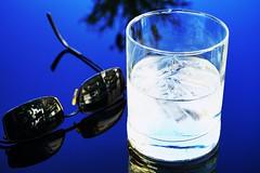 Sommer Sonne Martini (af.fotografie) Tags: sonne sommer martini affotografie 2018 neu terrasse alkohol glas spiegeln sonnenbrille sony alpha 6000 best gemütlich