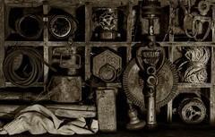 Outils oubliés. (jecrye8) Tags: nikond5500 nikkor bw noiretblanc nb blackandwhite france monochrome création creation jecrye art atelier workshop