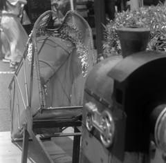 IMG_20180709_0015 (Dinasty_Oomae) Tags: トプコン topcon トプコンpr topconpr 白黒写真 白黒 monochrome blackandwhite blackwhite bw outdoor 東京都 東京 台東区 tokyo taitoku 祭 festival ポン菓子 poprice