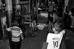 Street in Jakarta (evi.herlyna) Tags: childreen light playground blackandwhite bw bwphotograpy blackandwhitephotography jakarta living funtimes strobist strobists strobistphotography streetstrobist