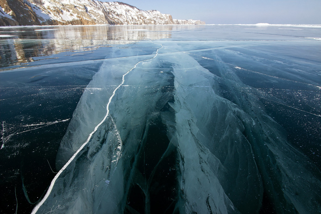 фото: Baikal. Ice thickness over 2 meters.
