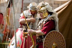 2016-06-04 - 20160604-018A7955 (snickleway) Tags: roman yorkshire museumgardens yorkromanfestival historicalreenactment canonef135mmf2lusm soldier york park england unitedkingdom gb