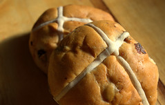 Hot Cross Buns (Tony Worrall) Tags: add tag ©2018tonyworrall images photos photograff things uk england food foodie grub eat eaten taste tasty cook cooked iatethis foodporn foodpictures picturesoffood dish dishes menu plate plated made ingrediants nice flavour foodophile x yummy make tasted meal nutritional freshtaste foodstuff cuisine nourishment nutriments provisions ration refreshment store sustenance fare foodstuffs meals snacks bites chow cookery diet eatable fodder hot cross buns bun bread sesonal