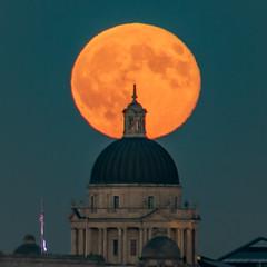Full Moon over Liverpool (ianbonnell) Tags: fullmoon moon moonrise liverpool pierhead merseyside