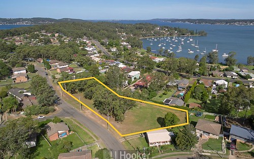 20 Threlkeld Dr, Bolton Point NSW 2283