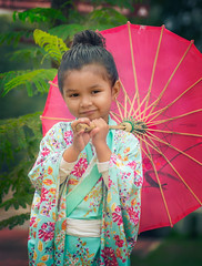 Betty wearing Kimono (Bram Cornejo) Tags: tamronaf55200mmf456diiild kimono school festival hanami child cute umbrella japanese portrait