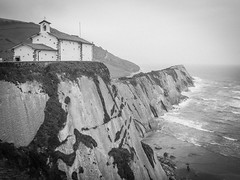 (Marie-Laure Even) Tags: 2018 and atlanticocean bw black blackandwhite blanc chapel chapelle chapellesaintthelmo church cliff coast côte eglise espagne et europe falaise france français française french landscape marielaureeven mer nb nature noir noiretblanc ocean océanatlantique olympusem5markii paysage people santhelmoermita sea spain travel voyage white wild wilderness zumaia природа франциа церковь