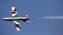 Frecce Tricolori - Solista (carlo612001) Tags: freccetricolori solista pan acrobaticfly topgun sky plane jet updown