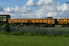 29294 Kingsthorpe 020618 (Dan86401) Tags: wilsonscrossing kingsthorpe wcml northampton 6y69 29294 nlu29294 jna nlu nationallogisticsunit falcon birdkind bogie ballastbox wagon freight nr networkrail engineers departmental infrastructure astravagoanearad trinityrail