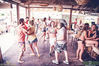 Dance like nobody watching every Friday!  #Ethnic_Fridays #Cuban_Version #Food_Pairing #Dance_Show #ArteDanza #CoconesBeachBar #Cocones #Polichrono #Chalkidiki #Cocktail_Bar #Cocktails #Food #Bar_Food #Street_Food #Lounge #Music #Speakeasy #Nightlife #Fin