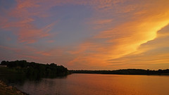 DSC02568 (gregnboutz) Tags: gregboutz colorfulsunset colorfulsunsets lakesunset lakesunsets orangesunset orangesunsets springsunset sunset sunsets beautifulclouds brightclouds clouds cloudy partlycloudy missouri missouripark missouriparks binderstatepark binderlake lakes missourilakes