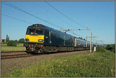 92023, Bugbrooke (Jason 87030) Tags: 92023 caledonian sleeper beds acelectric loco locomotive train railway wcml northants bugbrooke lineside ts northamptonshire blue green tracks wires coachingstock inverness fortwilliam londoneuston travel transport tren trains morningm oiught sony alpha a6000 ilce nex tag lens flickr fave album rail field fence shot shoot dyson