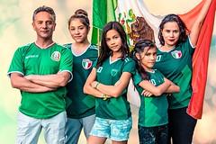 Todos somos México (juanmanuelporto) Tags: pontelaverde verde rusia2018 worldcup soccer futbol adolescentes alegria celebracion porra familia mexico