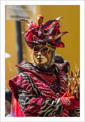 L'homme de feu (Parade Vénitienne 2018 de Riquewihr) (Francis =Photography=) Tags: riquewihr alsace hautrhin carnival carnaval 2018 venetiancarnival grandest costumes suit venise venice canon600d carnavalvenitien fondblanc costume france personnes bordurephoto europa europe yeux eyes 68 costumées carnavalvénitien extérieur costumés rose chapeau hat hut kostüm augen masque mask maske feu fire