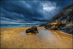 Bad Time For Sunbathing ;) (angelofruhr) Tags: groupenuagesetciel felsen meer sea atlantik wolken irland ireland klippen kerry