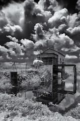 Wedgworth 1948 (Burnt Umber) Tags: bigsugar pump house florida central lake okeechobee sugar cane skie black white superawesomeclouds wedgworth 1948 rpilla001 pentax k5 digital ©allrightsreserved sky flurbex urbex tamron1750mmf28 iamawesome