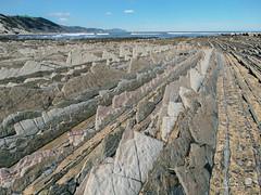 Euskadi - 17 (Mukis_trip) Tags: mar see landscape paisaje marea costa coast nature geologia estratos