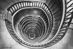 Hamburg - Messberghof (peterkaroblis) Tags: hamburg treppenhaus staircase haus house building gebäude innenansicht architektur architecture interiordesign schwarzweiss blackwhite innenarchitektur interieur interiorarchitecture lines curves linesandcurves geometry geometrie