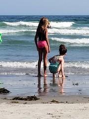 Violet And Gabriella At Higgins Beach (Joe Shlabotnik) Tags: 2018 july2018 galaxys9 higginsbeach violet maine gabriella cameraphone ocean beach