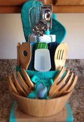 Basket Gifts : Towel Cakes – great housewarming gift idea. (giftsmaps.com) Tags: gifts