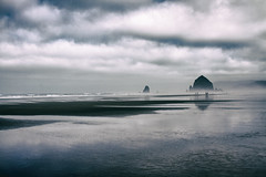 visions of things not seen (1crzqbn) Tags: cannonbeachoregon haystack theneedles ocean mist sliderssunday people 11 sky seascape 1crzqbn