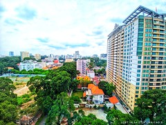 ☎ The unexpected phone call makes my day 😍 🚪 When one door is closed, others will be opend incredibly😉 #lostinsaigon #vietnam #travel #travelling #saigon #wander #city #sky #green #wideview #office #cloud #color #window #corner #build (Hải_Cao) Tags: snapseed vietnam window city corner incredible haicao color building cloud office myphone lgg6 wander photography sky wideview green myphoto lostinsaigon travelling little house saigon travel