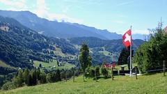 P8110594 (Ruth et Pierre-André traversent la Suisse à pied) Tags: