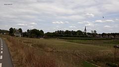 zicht op Rijswijk (gem.Buren), Gelderland (bcbvisser13) Tags: view village landscape landschaft landschap kerktoren akkers rijswijk gemburen gelderland holland nederland eu dorp dorf panorama skyline