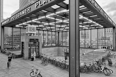 to the trains (Pascal Volk) Tags: berlin mitte potsdamerplatz berlinmitte bahnhof railwaystation wideangle weitwinkel granangular superwideangle superweitwinkel ultrawideangle ultraweitwinkel ww wa sww swa uww uwa 15mm canonpowershotg1xmarkiii artinbw schwarz weis black white blackandwhite schwarzweis sw bw bnw blancoynegro blanconegro sommer summer verano dxophotolab dxosilverefexpro nikcollection architecture architektur arquitectura building flickrfriday konstruktion gebäude ff285 7dwf