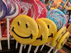 Smile Lollypop (earthdog) Tags: 2018 store shopping candy candyshop lollypop smile smiley googlepixel pixel androidapp moblog cameraphone food edible package
