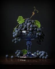 (*LiliAnn*) Tags: stilllife grapes