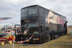 Van Hool dubbeldekker Flying Circus op Texel Airport 04-08-2018 (marcelwijers) Tags: van hool dubbeldekker flying circus op texel airport 04082018 bus coach touringcar nederland niederlande netherlands pays bas autobus