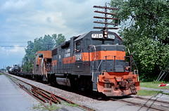 Heading Out (Erie Limited) Tags: fortedwardny dh delawarehudson emd gp382 cp cprail train railfan railroad
